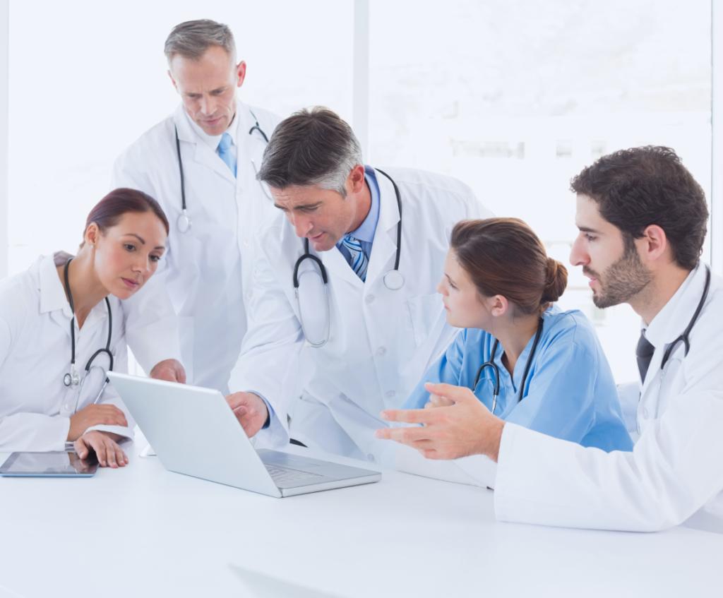 Проверка медицинской лицензии через сайт Росздравнадзора - самый надёжный способ.