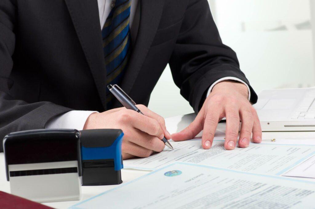 Сбор и оформление документов – дело не простое, но без них медицинскую лицензию для салона красоты не получить.